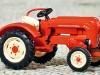 Die Neukonstruktion des Traktors Porsche Junior K von Busch in H0 besticht in Detailreichtum und Bedruckung. (Foto: jsk)