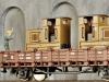 Das braune Standmodell der Gmeinder-Lok eignet sich hervorragend als Ladegut, als Denkmal oder als abgestelltes Fahrzeug auf einer Feldbahn-Anlage. Foto. Ralph Zinngrebe